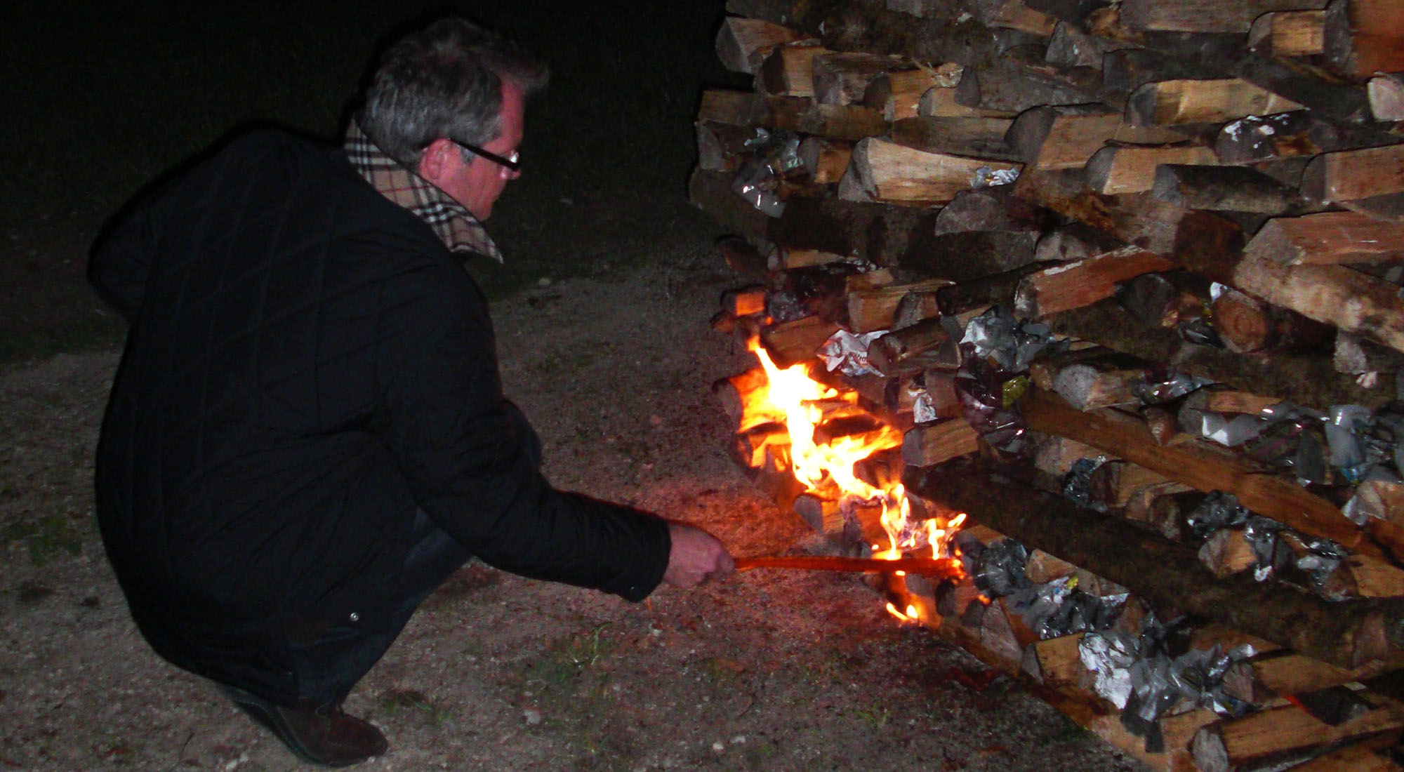 Feuerlauf Feuer Oberambach Bayern