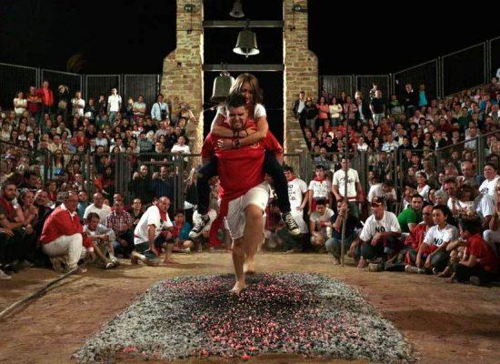 Feuerlauf in Spanien