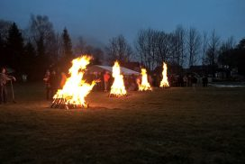 Feuer für Feuerlauf Event mit 150 Teilnehmern